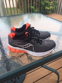 New saucony shoes size 7 St. Catharines