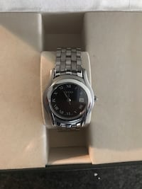 Ladies Gucci stainless steel watch