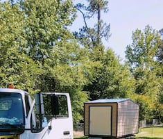 We move portable buildings / sheds