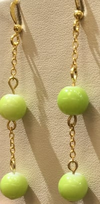 yellow and green beaded necklace Toronto, M1B 4Y7
