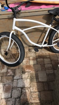 white and black cruiser bike 641 mi