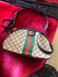 Gucci purse for ladies  Edmonton