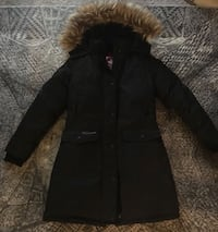 Young Woman triple Goose insulted coat 294 mi