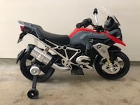 Gently used battery operated BMW motorcycle Vancouver, V5Y 1R8