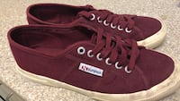 Pair of superga canvas sneakers. Only used 2-3 times. Size eu 40, uk 6 1/2. Carlton, 2218