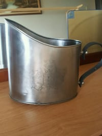 stainless steel and black electric kettle London, N6G 2V4
