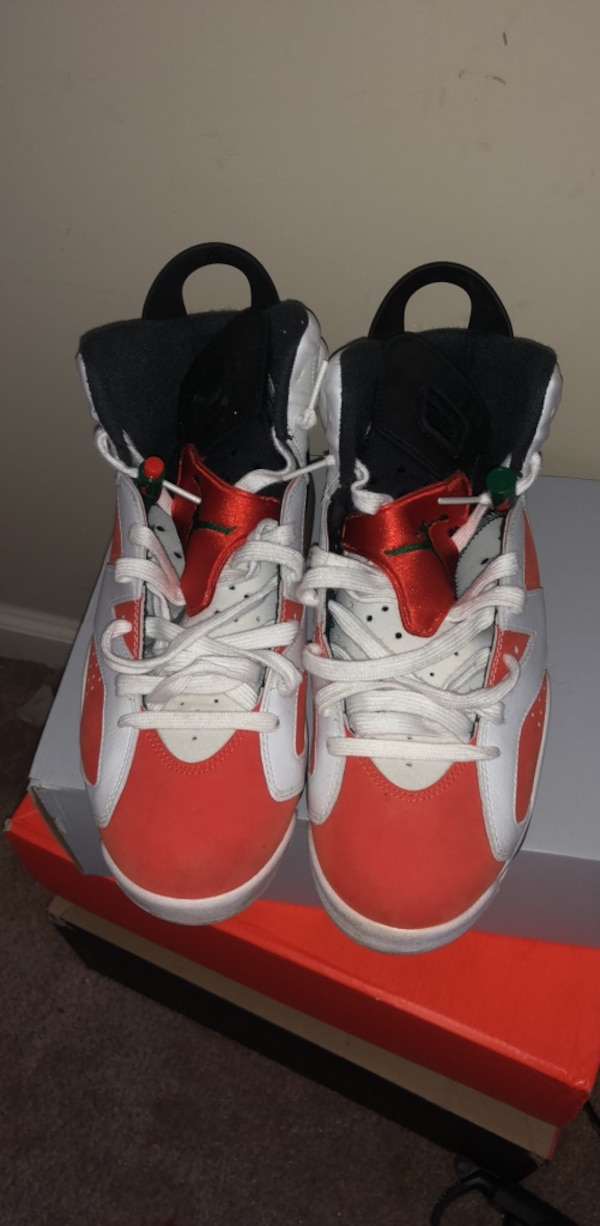 03118b0d05b Used pair of red-and-white Air Jordan shoes for sale in Mableton - letgo