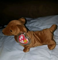 Collectible beanie baby 'weenie' Puyallup, 98371