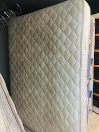 Mattress Queen size bed. Firm price is firm price  North Miami Beach, 33162