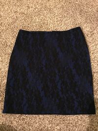 Lacy skirt size M London, N5V 4N9