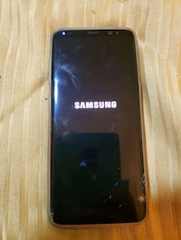 s8 cracked screen still works London, N5W 3G3