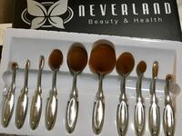 Gray neverland makeup brush set Markham