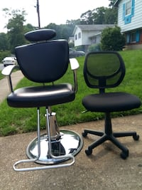 Barber/Salon Chair + 1Chair null