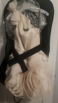 Vera Wang White Bridesmaid dress  Thorold, L2V 3E5