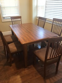 Brand new dining set Valley Stream, 11580