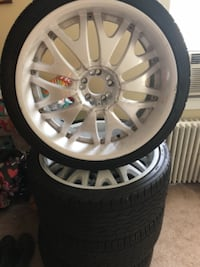 "22"" universal rims with tires MUST GO (price negotiable) LIVINGSTON"