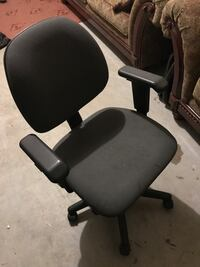 black and gray rolling armchair Ashburn, 20148