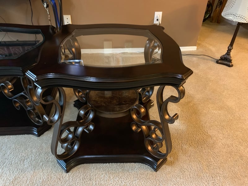 Coffee table and 2 end tables.  befaa78f-063b-43d3-bd45-95b63e77ee5f