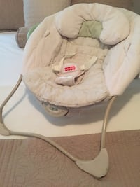 Vibrating baby chair with music