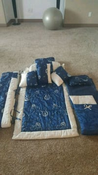 blue and white floral bed comforter Calgary, T2A 4V5