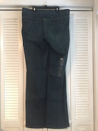 NWT Vera Wang Jeans Size 10 West Columbia, 29169
