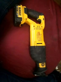 yellow and black DeWalt cordless power drill 536 km