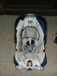 Babyseat and carseat in one weight up to 22 pounds 67 km