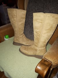 brown boots ladies size 9 Toronto, M3A 3R7