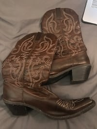 Cowboy boots  Fort Wright, 41011