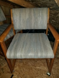 4 wooden chairs for sale 406 mi