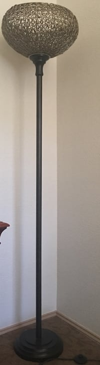 Brand new 71 inches beautiful standup lamp that sends arrays of light when lid   Bellevue, 98005