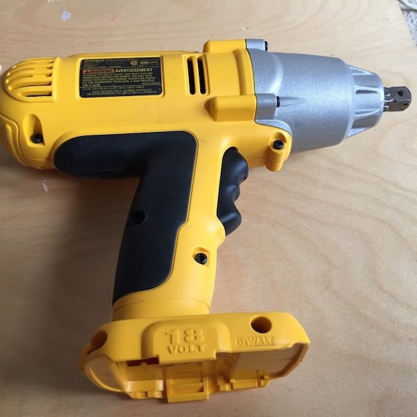 Used Dewalt Dw059 Cordless Impact Wrench Bare Tool For In Vista