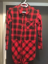 Red and black plaid button-up shirt sz small  Whitby, L1N 2J2