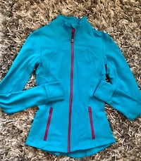 Lululemon Stride Jacket with hand covers, Size 2 Richmond Hill, L4S 2V4