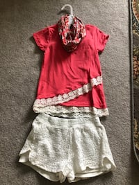 Salmon & ivory w/lace detail summer outft. Size 7/8. $12