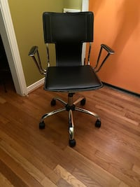 Modern black and chrome Office Chair