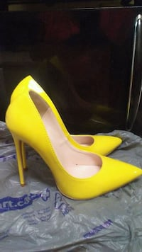 New! Yellow high heel! Toronto, M1E 2N1