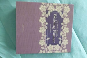 *Brand new* The Bride's Essential Wedding Planner Deluxe Ed.