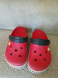 toddler's pair of red-and-white rubber clogs Woodbridge, 22191