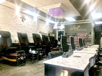 Selling spa pedicure chairs & manicure tables Toronto, M2N