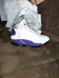 Jordan retro 13s lakers size 9.5