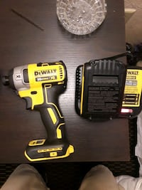 Dewalt xr impact drill with battery and charger