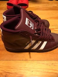 Cranberry Adidas Size 7 GS