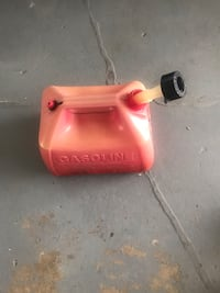 2.5 Gallon gas container