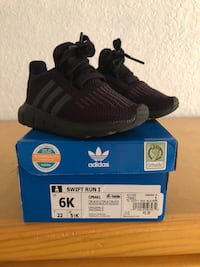 Infant/ Toddler Adidas shoes Los Angeles, 90011