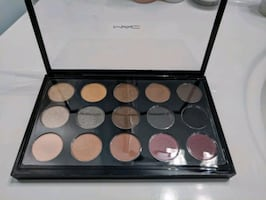 Mac Makeup - Palette w/ 15 eyeshadow shades