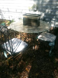 Glass table set / 3-chairs