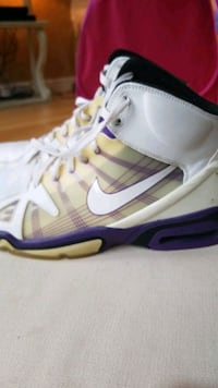 Nike air purple and white basket ball shoes