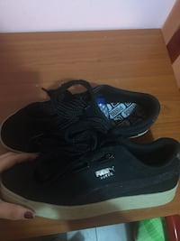 paio di sneakers basse adidas nere Roma, 00153