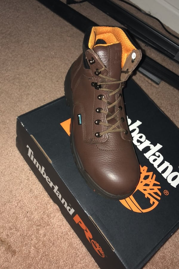 Timberland Never Used Steel Toe Boots size 10 4eaf5956-f237-46b8-96c5-55d323d04ef5